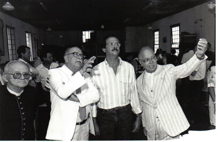 Carlos Alberto Teixeira de Oliveira, Ministro José Aparecido de Oliveira e Padre Tobias Zico no interior da Igreja do Colégio do Caraça – 21.01.1989