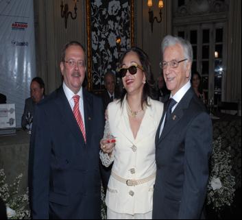Itamar Franco, deputada Maria Elvira Ferreira e Carlos Alberto Teixeira de Oliveira