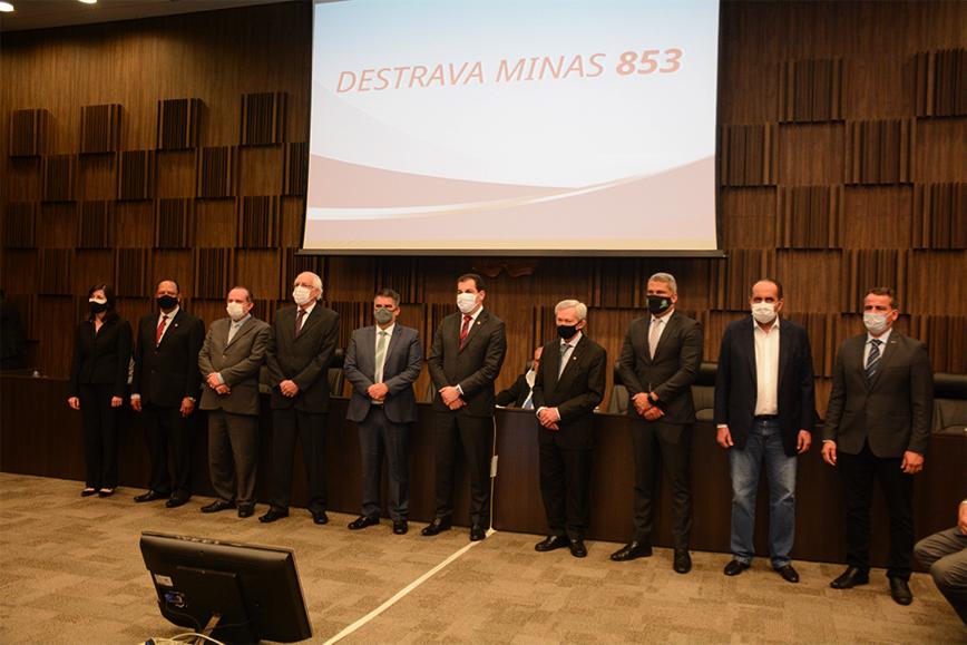 Para viabilizar o projeto Destrava - Minas-853, foi instituído um comitê interinstitucional com representantes de diversas entidades Crédito Riva Moreira TJMG