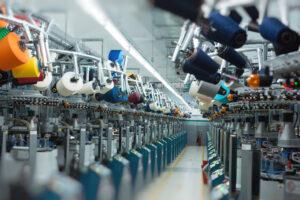 Balanço semestral do setor têxtil e de confecção sinaliza retomada e riscos