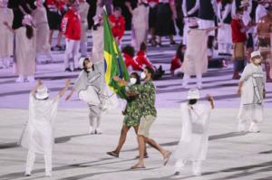 Olimpíadas de Tóquio - Do Brasil para o mundo: atletas brasileiros usam sandálias da Havaianas na cerimônia de abertura do maior evento esportivo do mundo