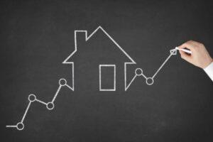 Alta da Selic acirra competição em financiamento imobiliário e deve intensificar comparação de taxas
