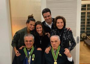 Dr. Henrique Salvador, com os filhos Júlia, Dra. Anna e José Henrique Salvador, e Dr. José Salvador e Dra Norma Moraes Salvador