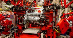 Produção de automóveis tem nova queda pela falta de semicondutores. Estoques são os menores das últimas duas décadas