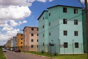 Casa própria para os mais pobres é política social extinta no atual governo