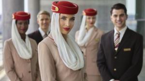 Emirates pretende contratar 3 mil tripulantes e 500 funcionários de serviços aeroportuários nos próximos seis meses