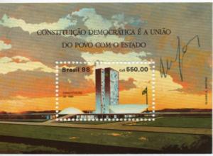 Autógrafo de Ulysses concedido a Carlos Alberto Teixeira de Oliveira em Selo Postal comemorativo da Constituição de 1988